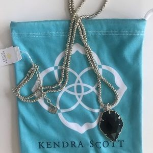 Kendra Scott Necklace with pendant